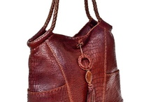 awesome handbags / by Linda Peterson