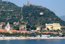 Liguria / A Ligúr-tenger partja, azaz az olasz riviéra Európa egyik legszebb partszakasza. Hegyek, virágok, kellemes idő, kis öblök, strandok – és persze ebédre egy kis pizza vagy spagetti és egy jó erős eszpresszó.  http://tizi.hu/uticelok/europa/olasz-udulesek-liguria-toszkana/ www.tizi.hu, tizi@tizi.hu, T: +36 70 381-5786