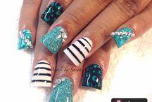 nails / by Liz W