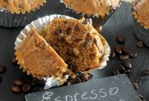 Easy Muffin Recipes / Sweet or savory, these easy muffin recipes are sure to please!