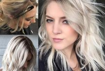 Halflang blond