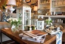 Shop 'Til You Drop! / There are so many hidden gem shops in the Heart of Georgian Bay. From home and cottage decor and antique shops to clothing boutiques, and even handmade soap, candle and jewellery shops.