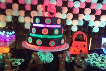 Festa Neon / Materiais de festa que brilham na luz negra