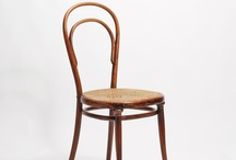 Tijdvak Meubels / Op dit bord vind je allemaal verschillende meubels uit verschillende tijdvakken.