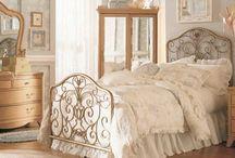 vintage bedroom's