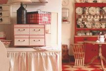 Red and White Decor / by Barbara Nelson