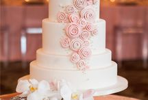 Wedding Cake Inspiration / Cake! Here you'll find pins of many different wedding cakes for the your wedding.