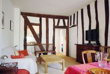 Charming Apartment Rental Near Notre Dame / This charming apartment rental is located on the Isle De La Cite, steps from the iconic Notre Dame Cathedral. - See more at: http://www.eveparis.com/vacation-rentals/charm-and-calm-on-isle-de-la-cite