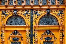 Beautiful Doors / by Susanne Neider