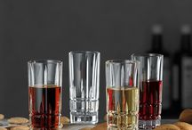 Schnapsgläser und Spirituosen / Auf dieser Pinnwand sammeln wir hochwertige Spirituosen wie Gin, Rum, Whisky und Liköre und die dazu  passenden Schnapsgläser für jeden Anlass. Ob Geburtstagsfeier, Weihnachtsfeier, Hochzeit oder eine Party mit Freunden.