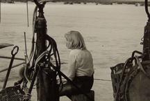 Eve Arnold photojournaliste américaine / « J'ai été pauvre et j'ai voulu montrer ce qu'était la pauvreté; j'ai perdu un enfant et j'étais obsédée par la naissance ; j'étais intéressée par la politique et je voulais savoir comment nos vies en étaient affectées ;je suis une femme et j'ai voulu tout savoir sur les femmes. » Eve Arnold