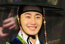 Jung Ilwoo Hanbok