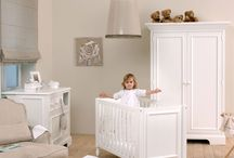 Wardrobes / With all his new clothes, your baby needs a wardrobe. We have selected for you the best on high quality and design for this furniture.