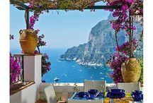 wedding inspo || italian costiera blue + red wedding