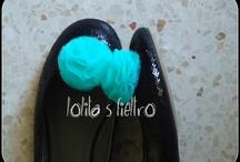 Adornos para zapatos / Adornos para zapatos, ¨de quita y pon¨ realizados a mano, en fieltro, tul, raso, ... Puedes encontrar : www.lolitasfieltro.com  lolitasfieltro.blogspot.com