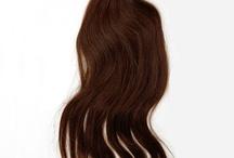 Cabello Virgen / CABELLO VIRGEN 100%. Sin procesar. Nunca a recibido tratamiento químico alguno. Es cabello de una misma persona, conserva la cutícula intacta, y por supuesto no se enreda. Máxima garantía de duración.