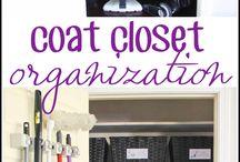 Coat closet organisation