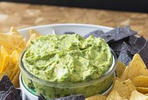 Cinco De Mayo Guacamole / Cinco de Mayo and Guacamole go hand in hand. Check out some of our favorite recipes, tips and tricks!