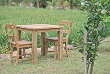 Teak tuinsets / Teakhouten tuinset, tafels met stoelen en evt. een bank http://sourenmeubels.nl/teak-tuinsets