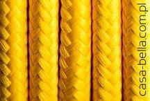 Kolorowe kable / Nazwa mówi sama za siebie. Prawie 30 różnych kolorów przewodów zasilających! Ta przepiękna paleta barw została specjalnie dobrana po to by cieszyć Twoje oczy, więc po prostu wybierz swój ulubiony kolor...albo dwa, jeśli wybór będzie zbyt trudny :)
