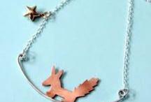 fun jewelry / by Pamela Richardson