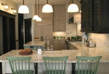 Kitchens / by Sharon Tappan
