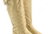 Cizme de vara ieftine online / Gasesti cizme de vara ieftine de la magazinele online din Romania, cizme brodate, cizme perforate, la preturi avantajoase.