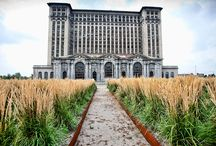 Eerily Beautiful Abandoned Places - Conde Nast Traveler / by Laura Perenic