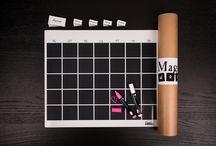 Kalendarz magnetyczny / Opis Edytuj informacje o produkcie Kalendarz magnetyczny - Magnetic Words    Zorganizuj tydzień swojej rodziny, tak by każdy wiedział jakie wydarzenia, obowiązki i przyjemności czekają go w bieżącym tygodniu.  Indywidualny kalendarz Twojej Rodziny:  - usprawni organizację życia codziennego Twojej rodziny  - polepszy komunikację w Twoim otoczeniu  - stanie się źródłem informacji dla wszystkich domowników  - będzie stanowić elegancki, stylowy gadżet na waszej lodówce, ścianie magnetycznej, etc