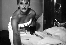 towel day: mille suggestioni su un oggetto quotidiano