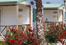 Mobil-homes O'Hara / Imágenes de nuestros bungalows. Más información: http://www.playacambrils.com/alojamiento.php