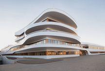 [arquitetura & urbanismo] / by Margarida Tavares