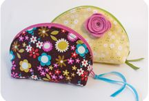 QUILTED PURSES / by Brenda Tennis Lewis
