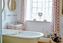 summer house bathroom
