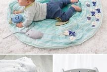 simple baby products / baby products that make your life easier.  simple baby gear.  cribs, carseats, bouncers for minimal parents.
