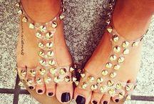 Sandalous / Flat Sandals, High Heeled Sandals, Flip Flops