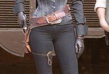Stana Katic-Anne Hathaway