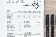 Bullet Journal Ideas / Minimalist bullet journal, how to start a bullet journal, bullet journal ideas and tips, bullet journal layout inspiration, bullet journal weekly spread, bullet journal monthly spread, bullet journal setup ideas, bullet journal monthly tracker