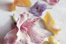 Food - Edible Flowers & Arrangements
