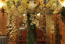 Luxury Wedding Flowers / Luxury wedding flowers and decorations. Glamorous wedding reception and ceremony flowers.