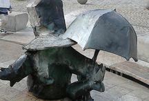 krasnale we wrocławiu / zdjęcia przedstawiają krasnale, które można znaleźć  we Wrocławiu.