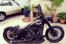 Harley Davidson / motos