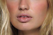 NUDE (No-Makeup Makeup)