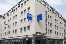 TRYP by Wyndham Köln City Centre Hotel / The most central location possible: The four-star TRYP by Wyndham Hotel Köln City Centre is situated a stone's throw away from Cologne's main train station, the Cologne Cathedral and the Rhine promenade, thus making it popular with those on business and tourists.