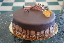 Organize your Birthday Occasion in Delhi with Fresh Cake / Zoganto.com provides you fresh birthday cakes online in Delhi for your own occasion or to send birthday cakes to your dear ones on their eve to Delhi.