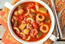Hearty Soups And Stews For The Cold Weather / The cold weather is coming up quick, so we're bringing to you some of our favorite hearty soups and stews that are perfect for warming you up this winter!