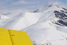 """Alpe d'Huez - Le Printemps du Ski / On a testé """"Le printemps du ski"""" à l'Alpe d'Huez ! Article : http://www.onedayonetravel.com/on-a-teste-le-printemps-du-ski-a-lalpe-dhuez/ Entre Ski, curling, Sarenne by night ou encore le survol de la station en avion, on a fait le plein de sensations à l'Alpe d'Huez. Retour en photos. #leprintempsduski #lahaut #alpedhuez"""