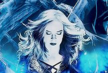 Caitlin Sown / Killer Frost ❄ / Caitlin Sown died ... Killer Frost raised ... FlashFrost⚡❄ SaviFrost ❄⚡