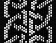 Beading: weave Celtic knot
