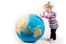 pufferball - fotelik z mapą świata